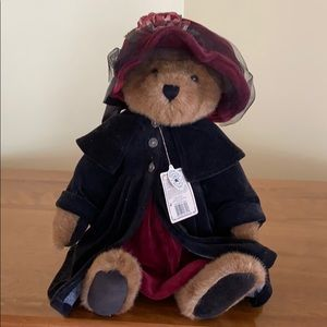 Boys Bears Best Dressed Collection with Stand